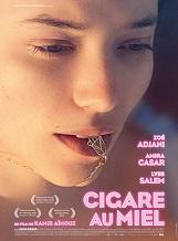 Cigare au miel: Selma, 17 ans, vit dans une famille berbère et laïque, à Neuilly-sur-Seine, en 1993.