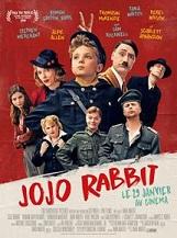 Jojo Rabbit: Jojo est un petit allemand solitaire. Sa vision du monde est mise à l'épreuve quand il découvre que sa mère cache une jeune fille juive dans leur grenier.