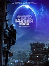 Ready Player One: 2045. Le monde est au bord du chaos. Les êtres humains se réfugient dans l'OASIS, univers virtuel mis au point par le brillant et excentrique James Halliday.