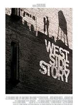 West Side Story: WEST SIDE STORY raconte l'histoire légendaire d'un amour naissant sur fond de rixes entre bandes rivales dans le New York de 1957.